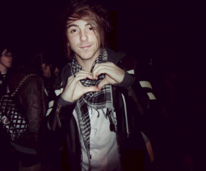 alex gaskarth, all time low, and heart image