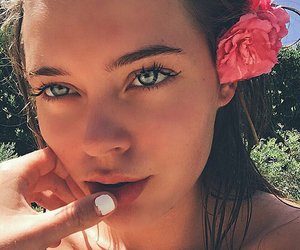 girl, summer, and eyes image