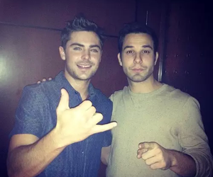 zac efron and skylar astin image