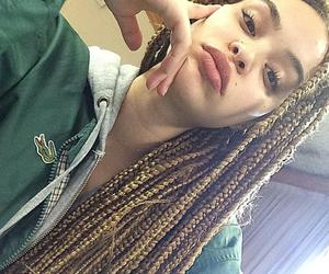 braids and lacoste vert image