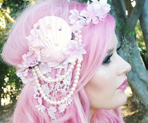 hair style, mermaid, and pink hair image