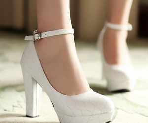 girl, heels, and accesorios image
