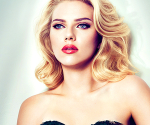 Scarlett Johansson and sexy image