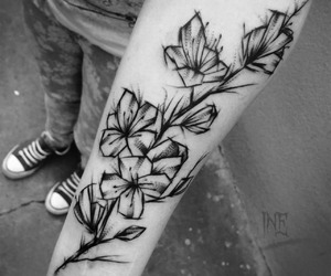 black, tatuaggi, and fiori image