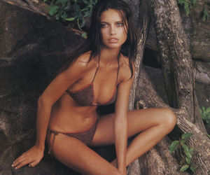 Adriana Lima, hairstyle, and style image