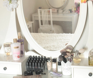 bedroom, cosmetic, and cosmetics image
