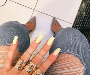 nails, kylie jenner, and yellow image