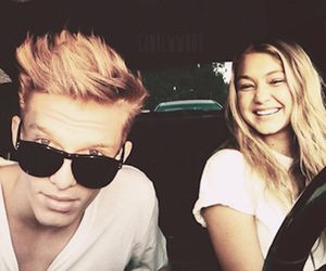 cody simpson and couple image