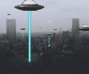 city, alien, and grunge image