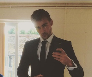 jasper, the royals, and tom austen image