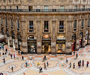brand, Burberry, and italy image