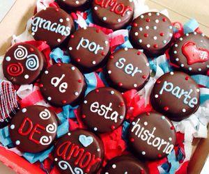 cupcake and gift image