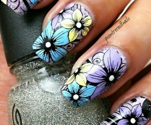 nails and dress image