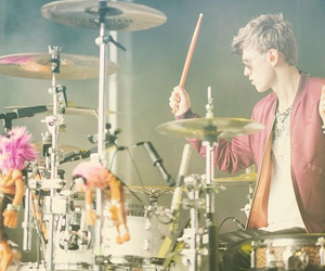 drums, the vamps, and tristan evans image