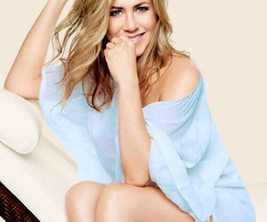 jen aniston, Jennifer Aniston, and Queen image