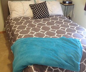 comforter, cozy, and cute room image