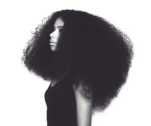 hair, Afro, and woman image