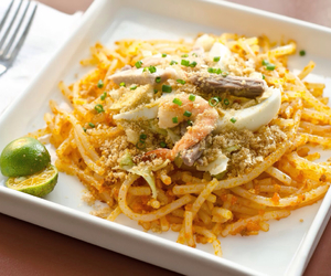 pasta and filipino food image
