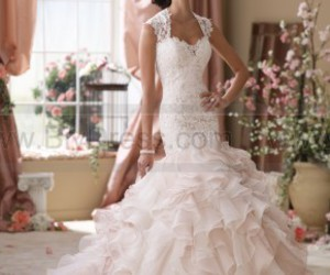 wedding gown, wedding pictures, and designer wedding dresses image
