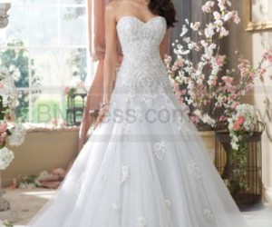 wedding pictures, wedding outfits, and designer wedding dresses image