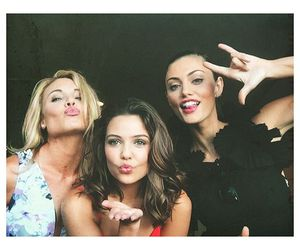phoebe tonkin, danielle campbell, and leah maire pipes image