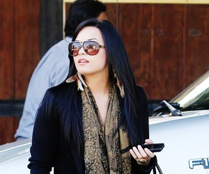 bag, celebrity, and demi lovato image
