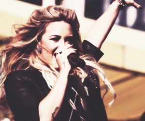 ddlovato and sing song image