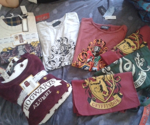 bags, gryffindor, and slytherin image