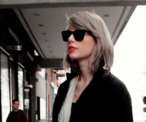 candid, taylor swift candid, and Taylor Swift image