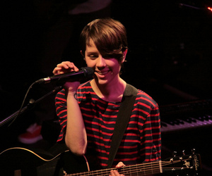 concert, skq, and sara quin image
