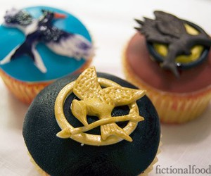 hunger games, cupcake, and the hunger games image