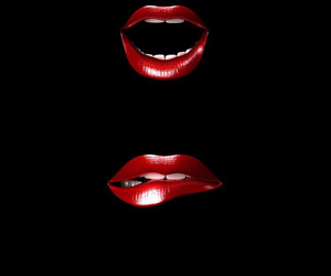lips and black image