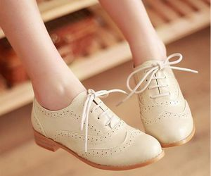 fashion, oxford shoes, and round toe image