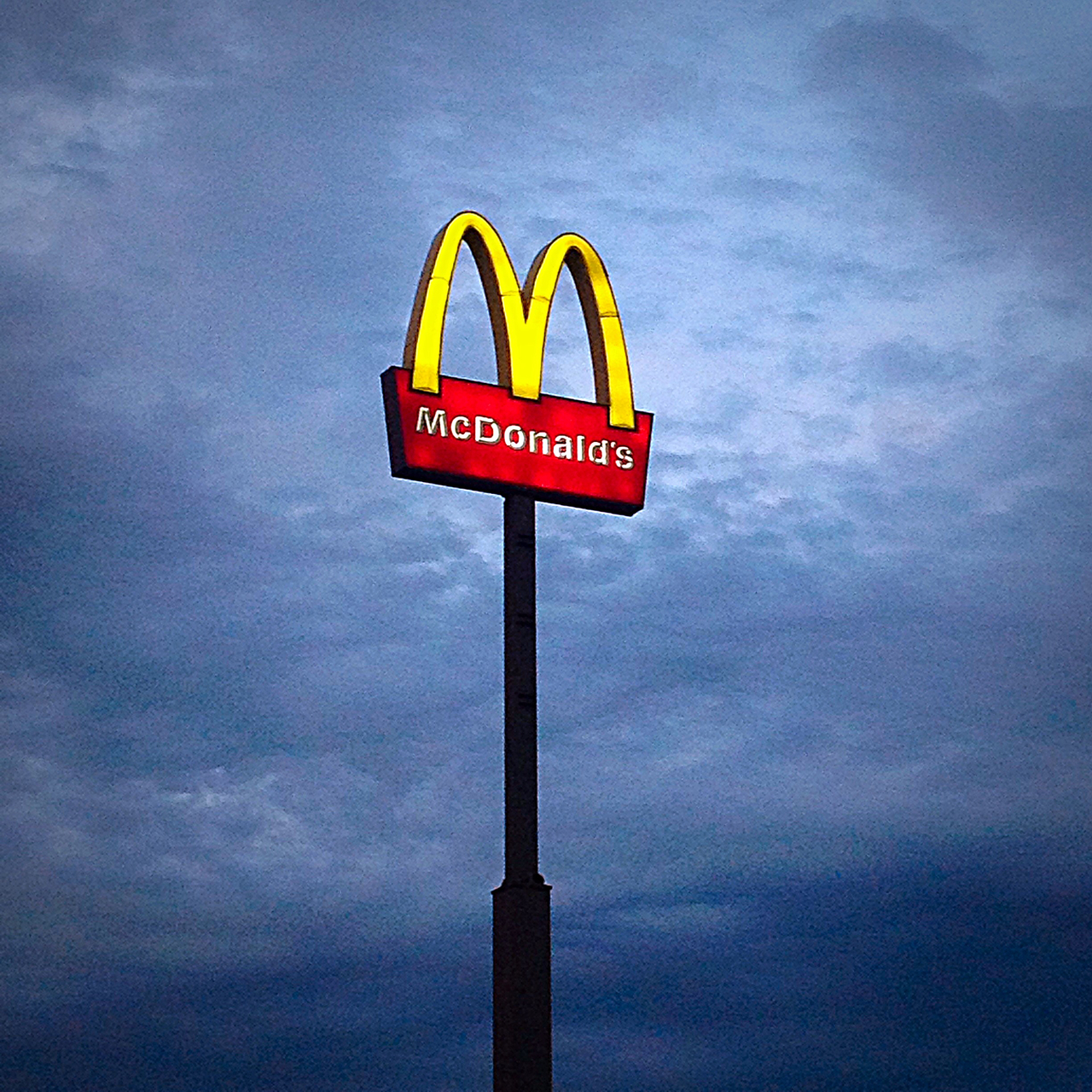 food, mc donald, and rain image