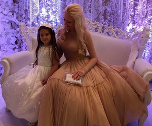 beautiful, mother, and elegant image