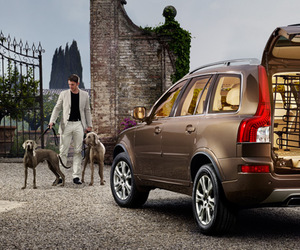 volvo and xc90 image