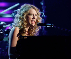 curly hair, piano, and taylor image