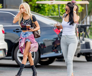 pia mia and kylie jenner image