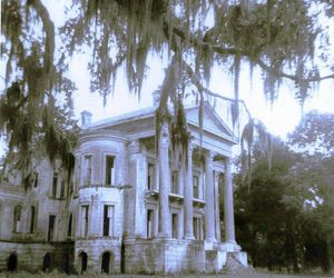 abandoned, Deep South, and plantation image