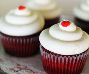 cupcake, red velvet, and food image