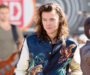 Harry Styles, one direction, and gma image
