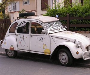car and little prince image