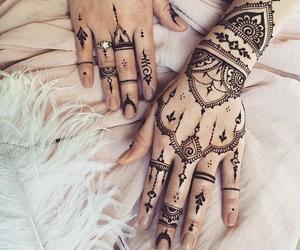 tatuajes and uñas image