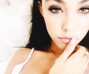 eyes and madison beer image