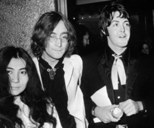 beatles, john lennon, and Yoko Ono image