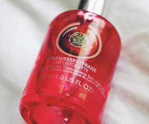 the body shop, strawberry, and cosmetics image