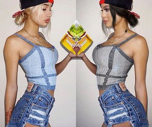body, fashion, and kylie jenner style image