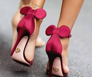high heels, red, and minnie image