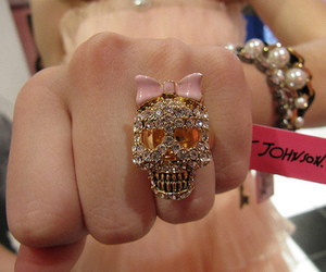 jewellery, skull, and ring image