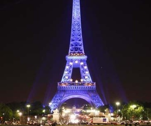 torre eiffel and love image